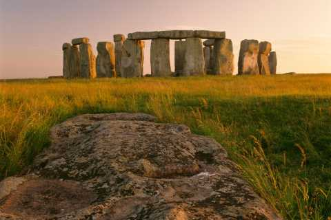 Stonehenge, Bath, Cotswolds, och Avebury Small Group Tour