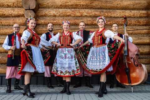 Vanuit Krakau: Poolse folkshow met all-you-can-eat-diner