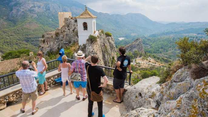 Desde Alicante: valle de Guadalest y Fuentes del Algar