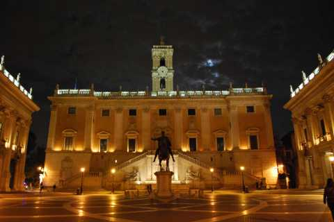 Rome: Guided Evening Walking Tour in French