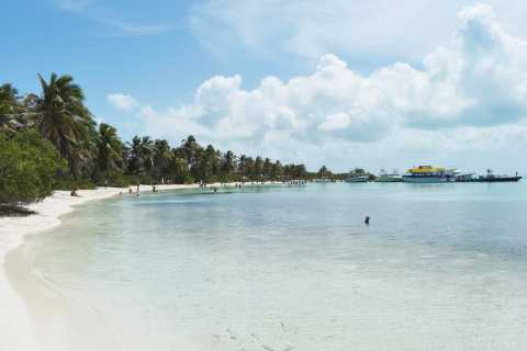 Cancún: Contoy and Isla Mujeres Boat Tour with Snorkelling