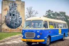 Varsóvia: lado escuro de 2,5 horas - distrito de Praga por um ônibus retro