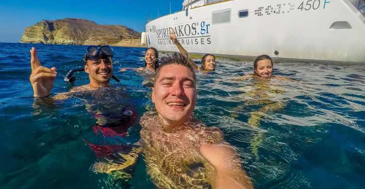 Santorini: crociera in catamarano per piccoli gruppi