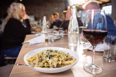 Vancouver: 2.5-hour Little Italy Walking Food Tour