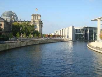 Berlin: Wasser, Flussfahrt und Rundgang
