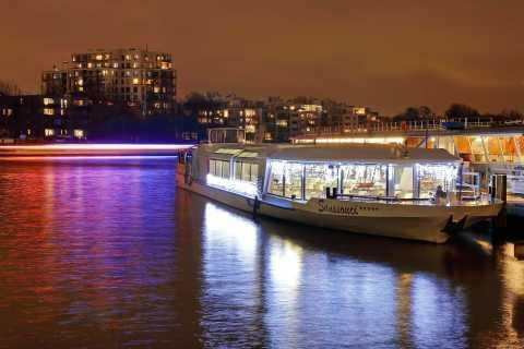 Berlin: Abendliche Bootsfahrt