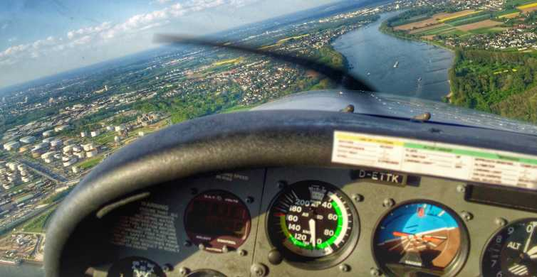 Cologne: 1-Hour Private Sightseeing Flight