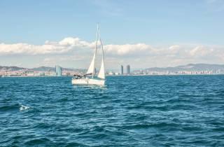 Barcelona: Segelerlebnis mit Erfrischungen