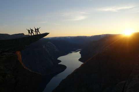 Odda: Trolltunga Sunset Overnight Hiking Trip