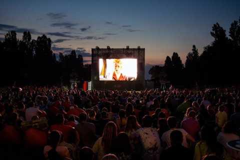 Geniet van Athene onder de Sterren - Outdoor Cinema