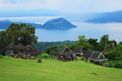 From Manila: Full Day Trip to Tagaytay Ridge