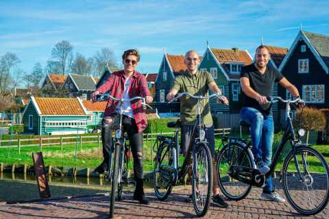 Volendam: E-Bike Rental With Suggested Countryside Route
