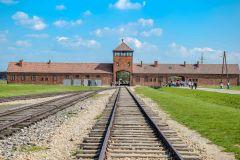 Varsóvia: Excursão de 1 Dia Auschwitz-Birkenau em Grupo