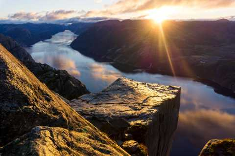 Preikestolen (Pulpit Rock): Guided Sunrise Hike