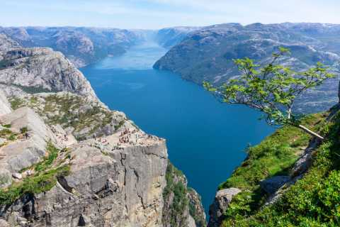 Preikestolen: Guided Hike & Canoe Trip