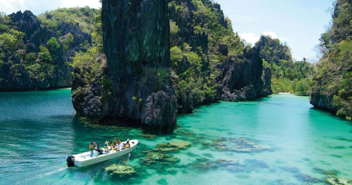 El Nido: Island Hopping Tour A Lagoons and Beaches