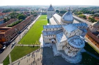 Ab Florenz: Private Tagestour in Pisa und Lucca