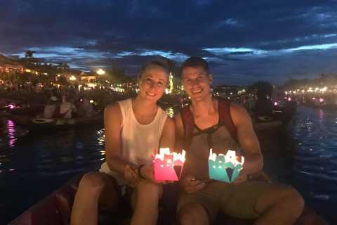 Hoi An: Sunset with Home-Hosted Meal and Boat Trip