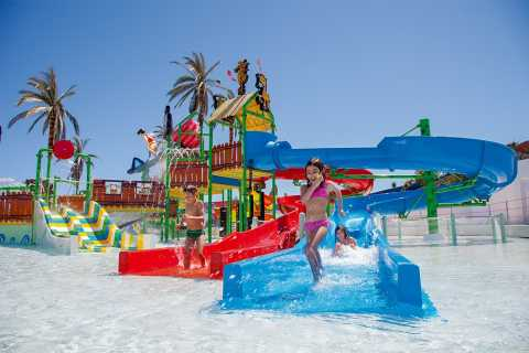 Lagoa: Slide & Splash Water Park Entrance Ticket