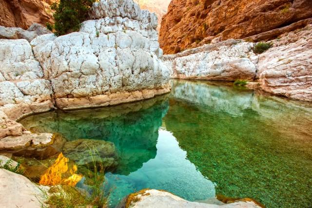 Muscat: wandeltocht Wadi Shab en kust
