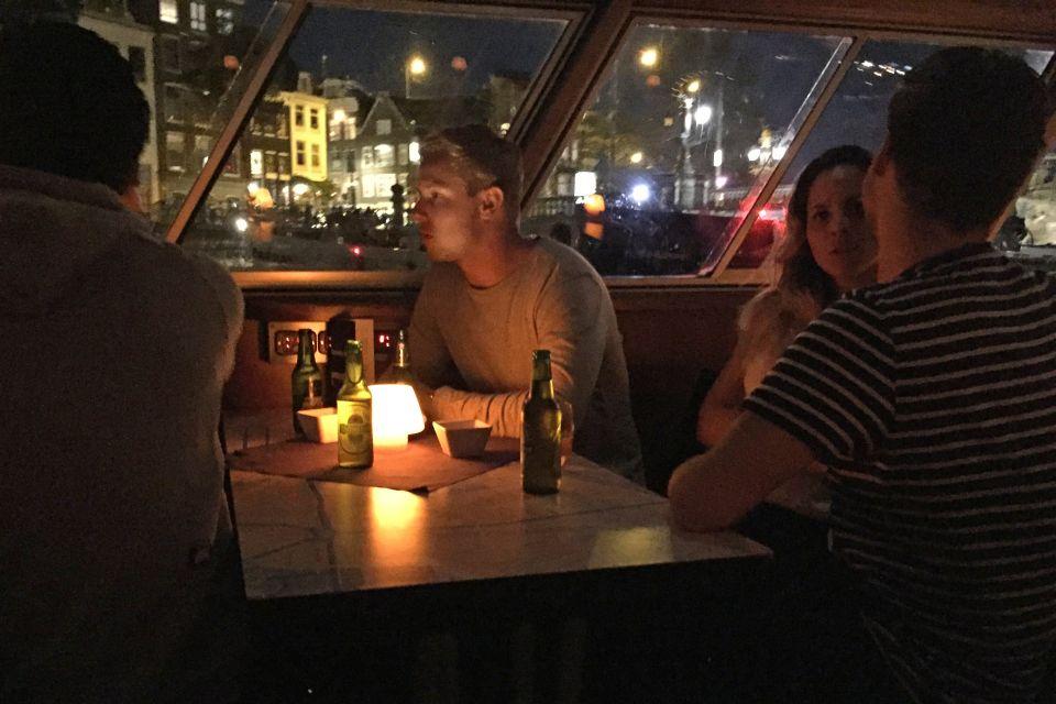 Wieczorny rejs po kanałach Amsterdamu