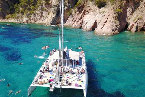 Lloret de Mar: Catamaran Sailing Experience with BBQ Lunch