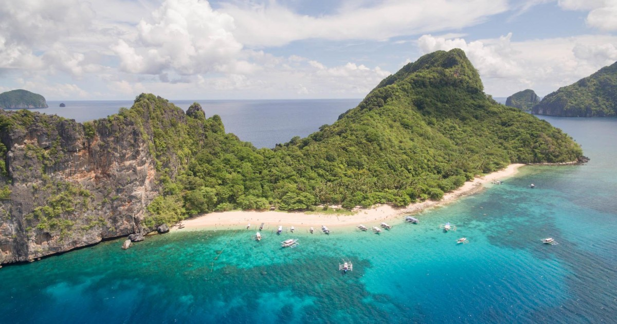 El Nido Island Hopping Tour C: Hidden Beaches & Shrine