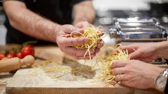Venecia: elaboración de pasta fresca en un apartamento privado veneciano