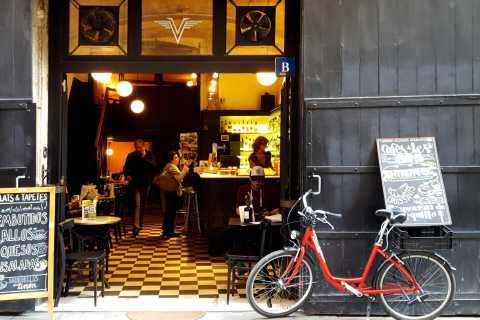 Barcelona: 3.5-Hour Bike Tour with Spanish Tapas