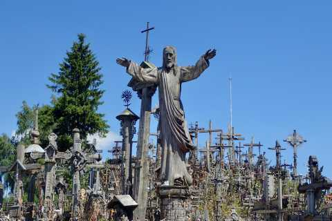 Desde Vilnius: día completo en Hill Of Crosses y Pakruojis Manor