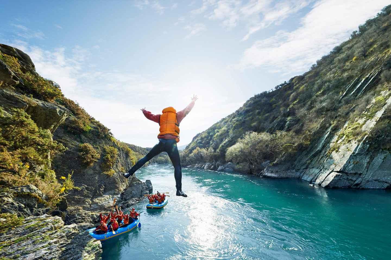 give long-distance rafting a whirl at kawarau river