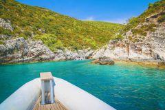 De Split: Excursão de 1 Dia à Gruta Azul e 5 Ilhas