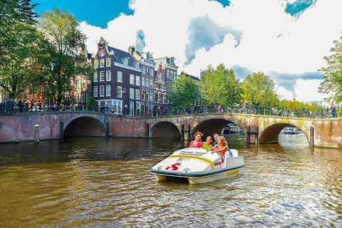 Amsterdam: 1 Hour Pedal Boat Rental