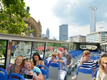 Frankfurt: Hop-On/Hop-Off Skyline oder Express City Tour