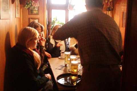 Nürnberg: Kneipentour für JungesellInnenabschiede