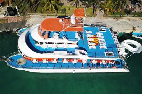 Cancun: Full-Day Catamaran Cruise to Isla Mujeres