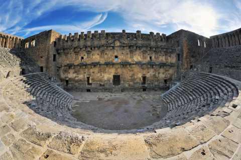 Ab Antalya: Private Tagestour nach Aspendos, Perge und Side