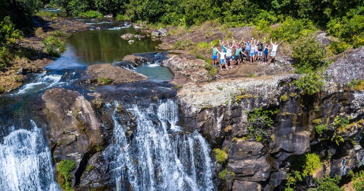 Mauritius: Tamarind Falls 3-Hour Hiking Trip