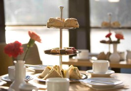 What to do in London - London: Afternoon Tea Cruise on the River Thames