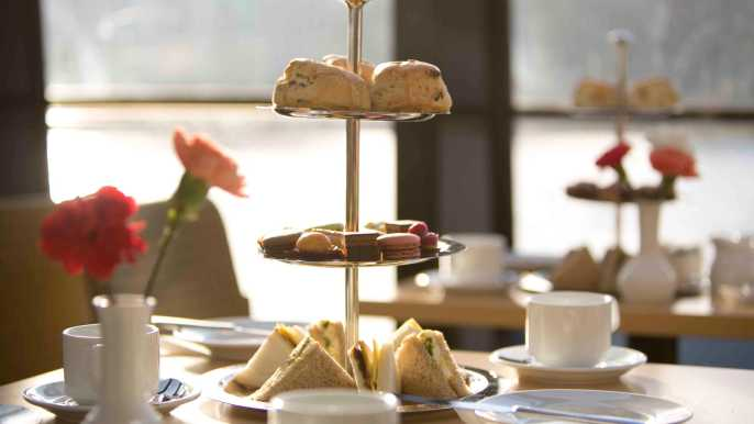 Londres: crucero por el Támesis con té por la tarde