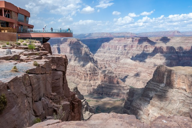 Las Vegas: Grand Canyon West Rim and Hoover Dam VIP Tour