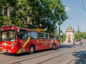 Prag: Hop-On/Hop-Off-Bustour für 24- oder 48 Stunden