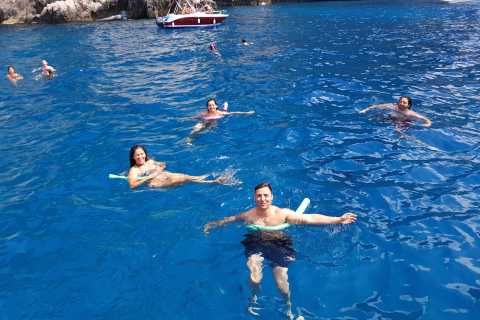 Capri: Small Group Day Tour from Sorrento by Boat