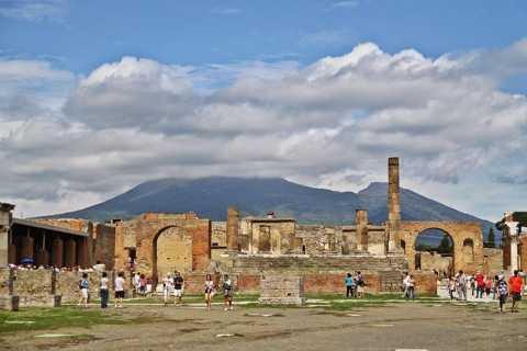 Napels: Pompeii, Vesuvius en wijnproeverij