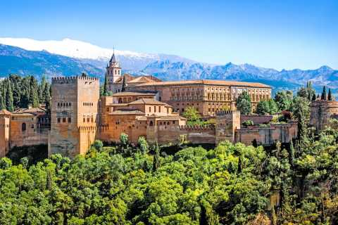 Ab Málaga: Landausflug nach Granada und zur Alhambra