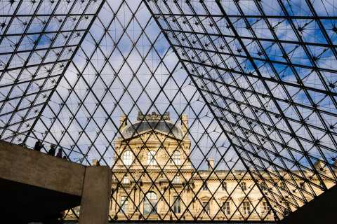 Louvre: Skip-the-Line Entry & Guided Customizable Tour