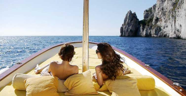 Capri: Private Gozzo Boat Island Tour