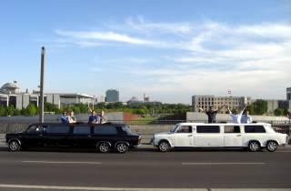 Berlin: Trabi-Erlebnistour in der Trabant Stretchlimo