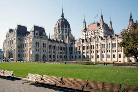 Budapest: Grand City Tour with Parliament Visit