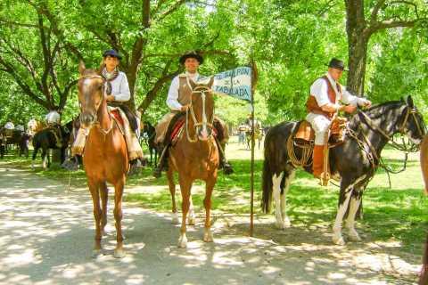 Tour San Antonio de Areco, barbacoa estancia y espectáculo